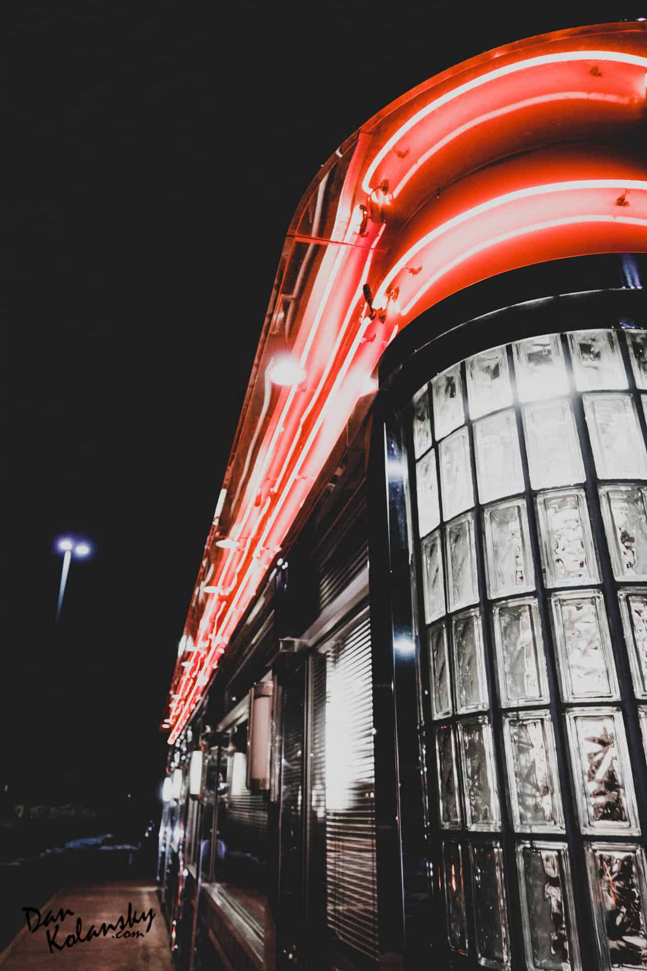 Diner By Night